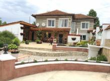 Обзаведена къща с 2 спални близо до Варна