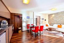 Тристаен апартамент 106 кв.м. в Банско