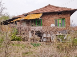 Продава Къща с. Ценово